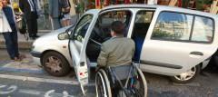 tranports-handicap-voiture-fauteuil_4554944.jpg
