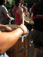 percussion-tambourine-gens-musique.jpg